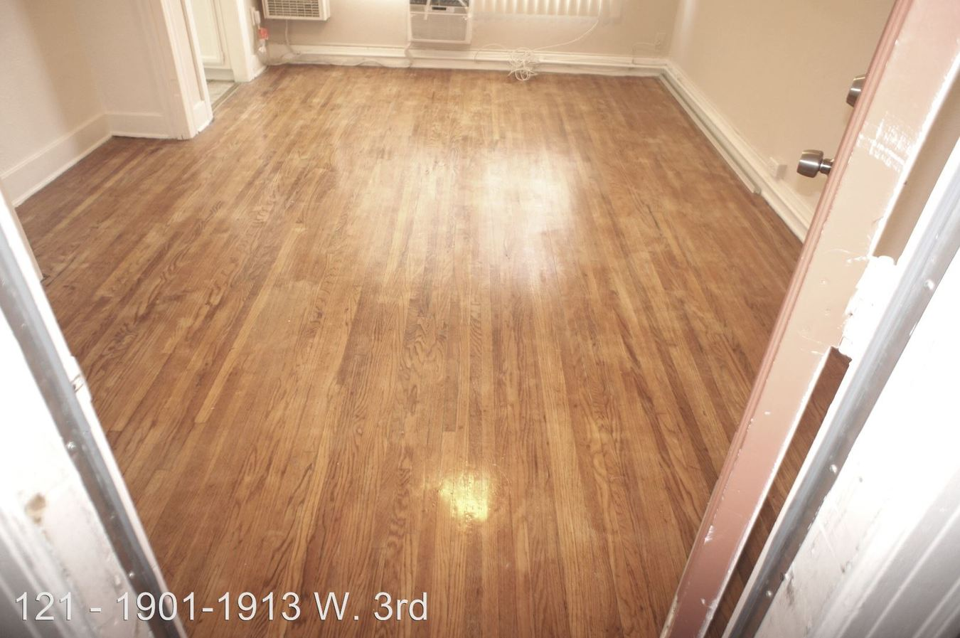 Studio 1 Bathroom Apartment for rent at 1901-1913 W. 3rd St. in Los Angeles, CA