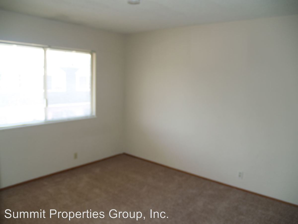 2 Bedrooms 1 Bathroom Apartment for rent at 7491-95-99 Donohue Drive in Dublin, CA