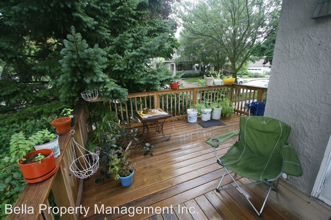 2 Bedrooms 1 Bathroom Apartment for rent at 2215 - 2221 E Beverly in Shorewood, WI