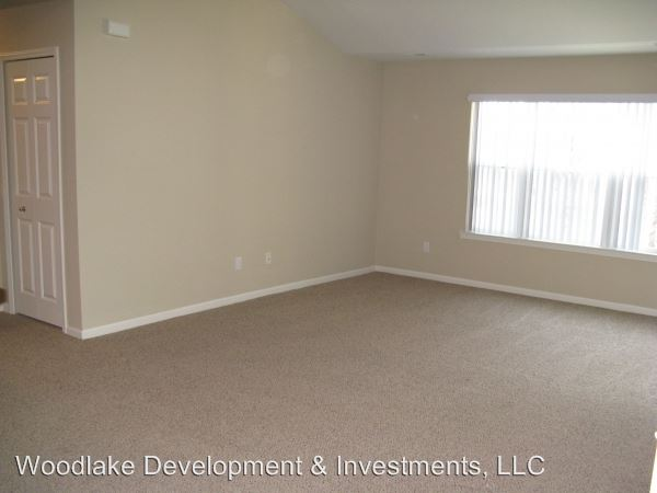 2 Bedrooms 2 Bathrooms Apartment for rent at 11461 North Woods Drive in Shelby Twp, MI