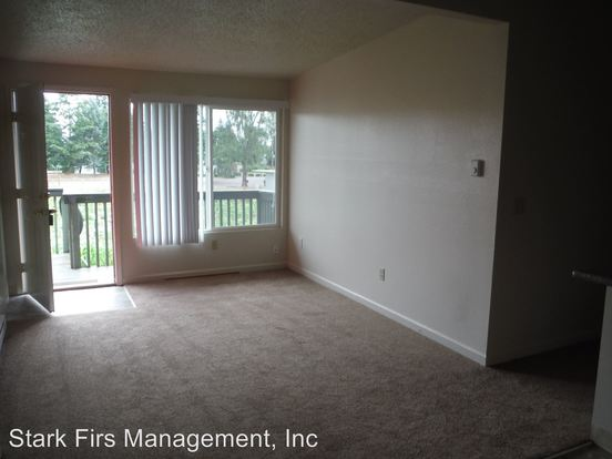 2 Bedrooms 1 Bathroom Apartment for rent at 16000 Se Alder in Portland, OR