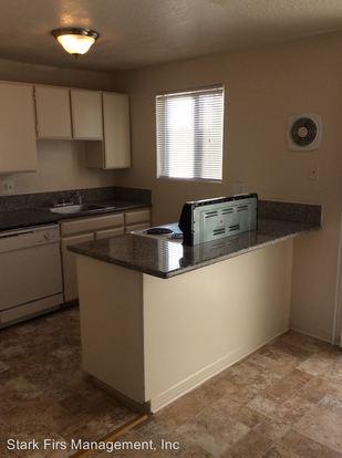 2 Bedrooms 1 Bathroom Apartment for rent at 16000 Se Alder in Portland, OR