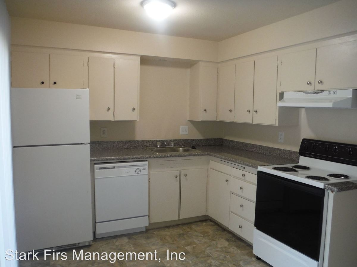 2 Bedrooms 1 Bathroom Apartment for rent at 16055 Se Stark/16039 Se Stark/16031 Se Stark/16033 Se Stark Units 1-47 in Portland, OR