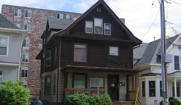 Similar Apartment at 219 N. Bassett Street Apartments
