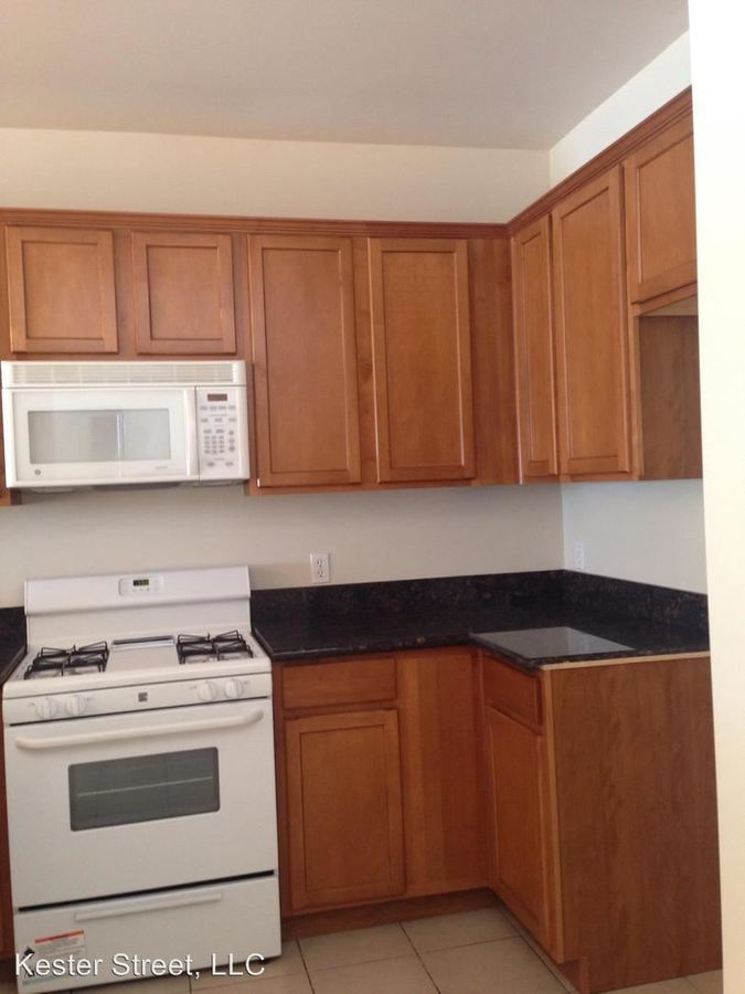 2 Bedrooms 1 Bathroom Apartment for rent at 6215 Kester Avenue in Van Nuys, CA