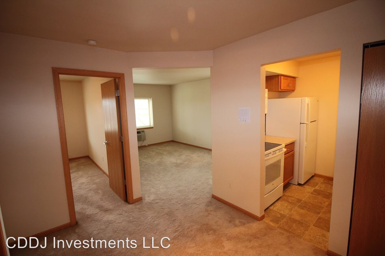 1 Bedroom 1 Bathroom Apartment for rent at Ridge Pointe Apartments in Waukesha, WI
