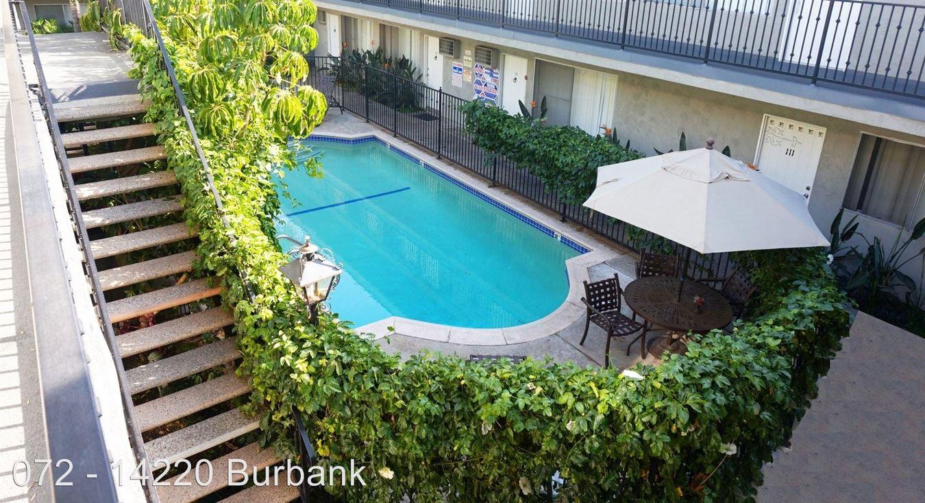 2 Bedrooms 1 Bathroom Apartment for rent at 14220 Burbank Blvd. in Sherman Oaks, CA