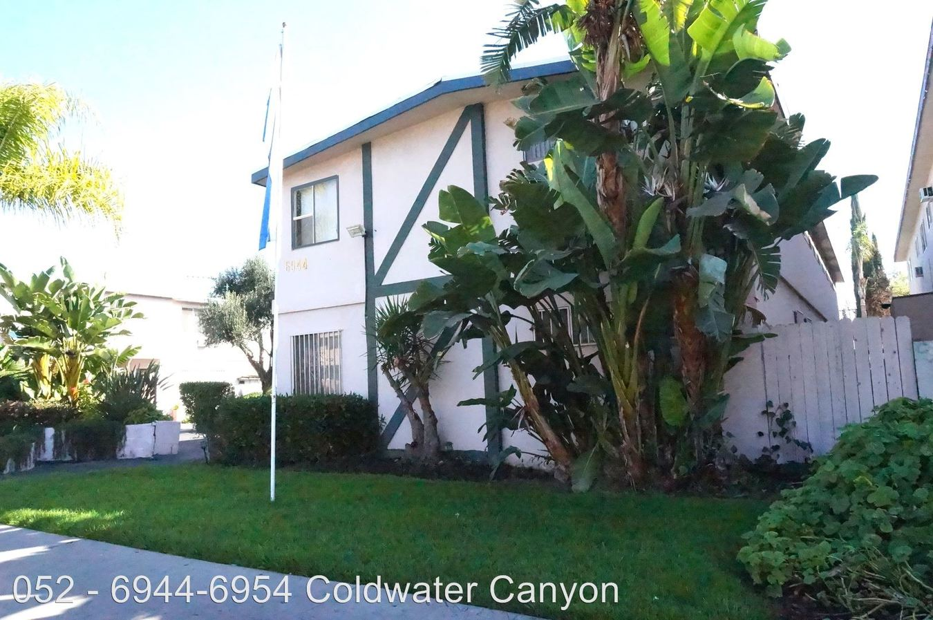 1 Bedroom 1 Bathroom Apartment for rent at 6944-6954 Coldwater Canyon Ave. in North Hollywood, CA