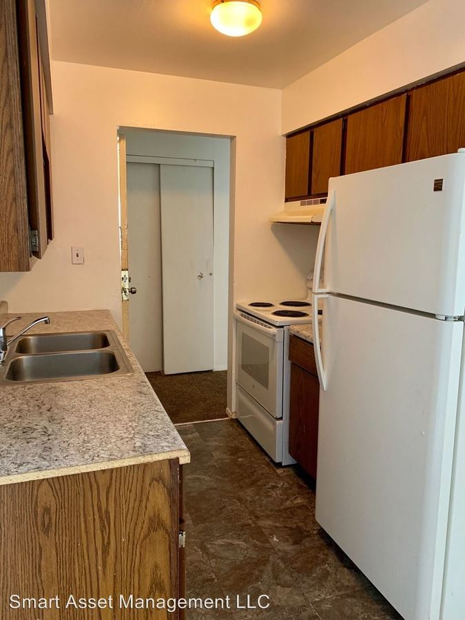 2 Bedrooms 1 Bathroom Apartment for rent at 9130 W Brown Deer Road in Milwaukee, WI