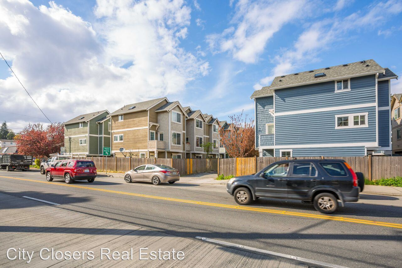 Similar Apartment at 1152 N 85th At