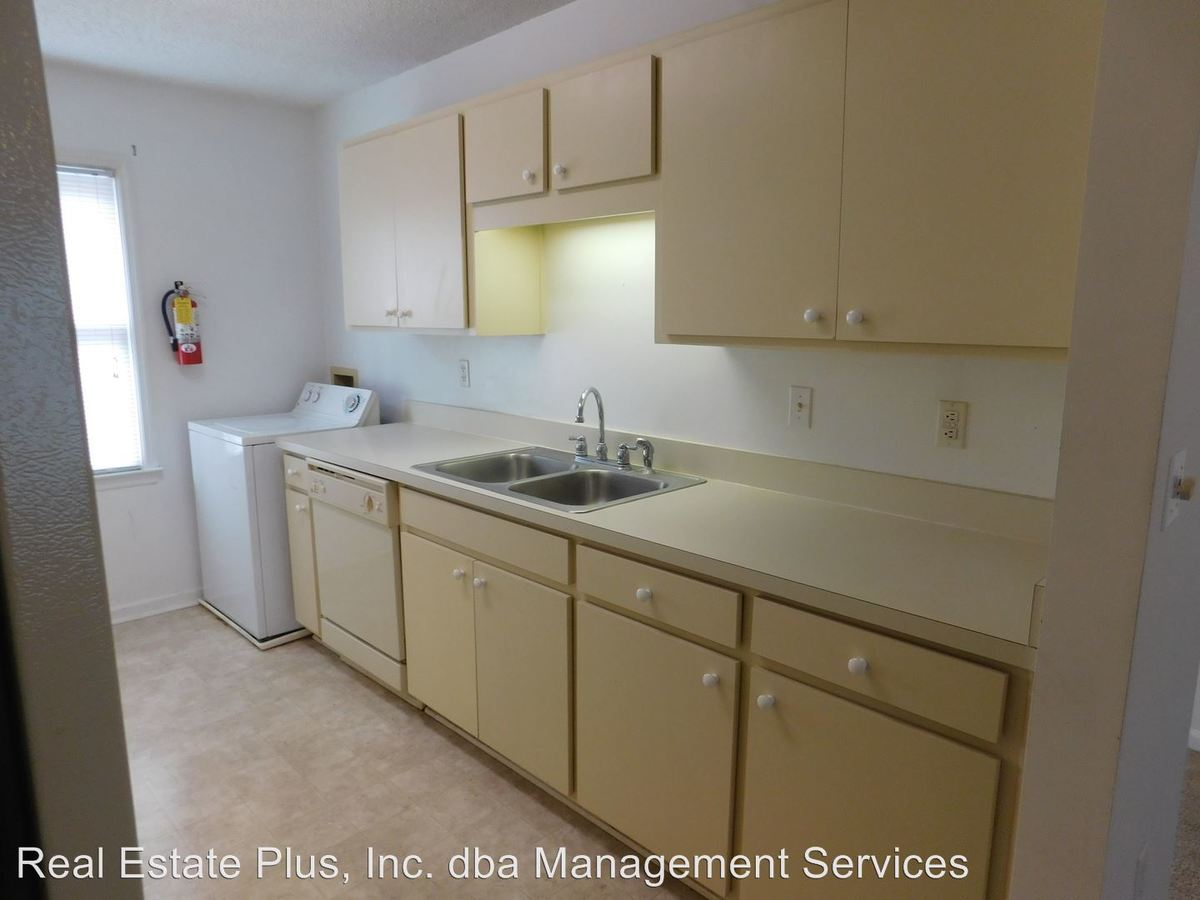 2 Bedrooms 1 Bathroom Apartment for rent at Tryon Estates 307 Simmons Street in New Bern, NC