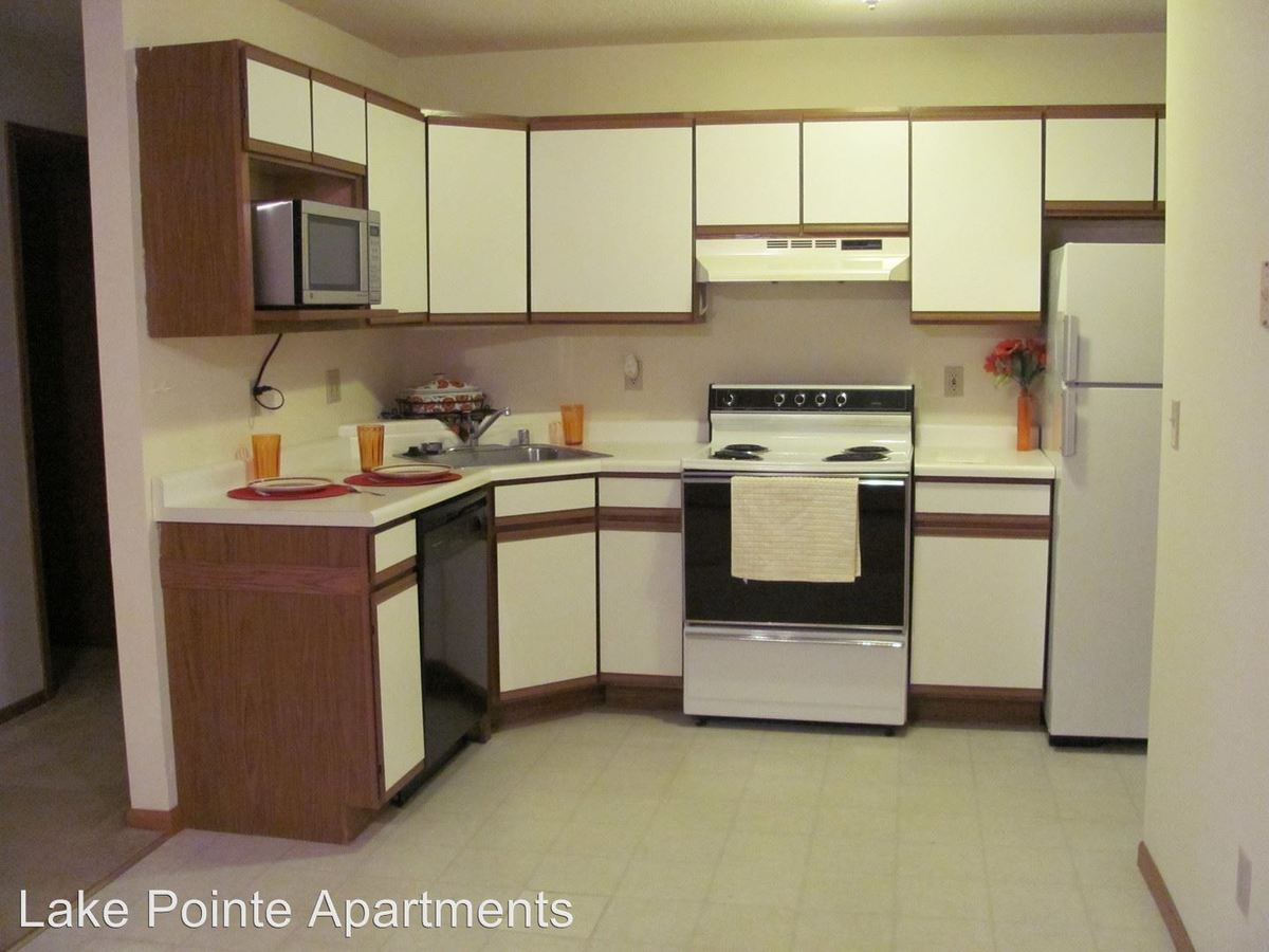 2 Bedrooms 1 Bathroom Apartment for rent at 1100 Grand Avenue in Schofield, WI