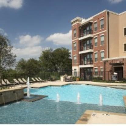Trinity Bluff Urban Apartments Fort Worth Tx