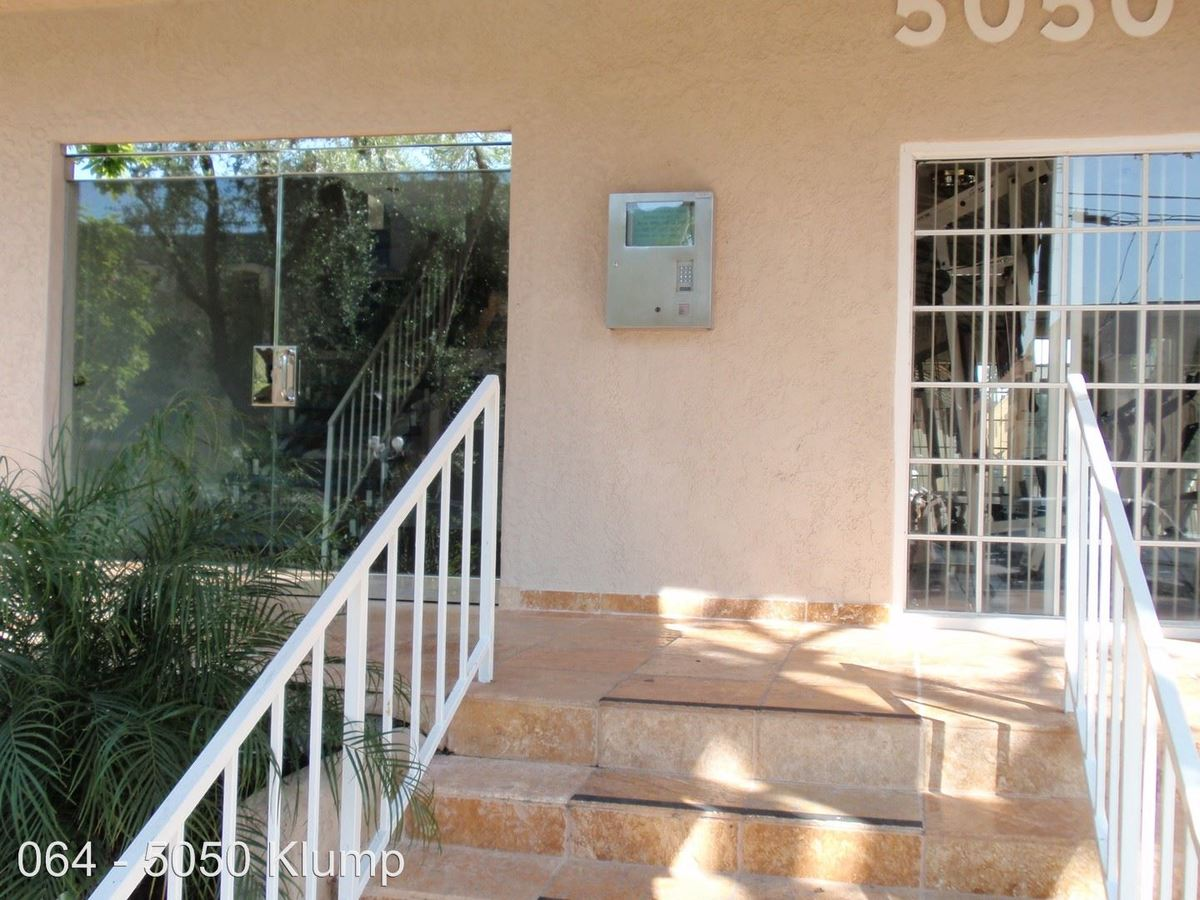 2 Bedrooms 2 Bathrooms Apartment for rent at 5050 Klump Ave. in North Hollywood, CA