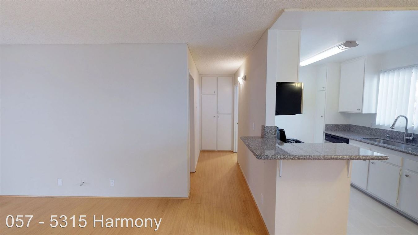 Studio 1 Bathroom Apartment for rent at 5315 Harmony Ave. in North Hollywood, CA