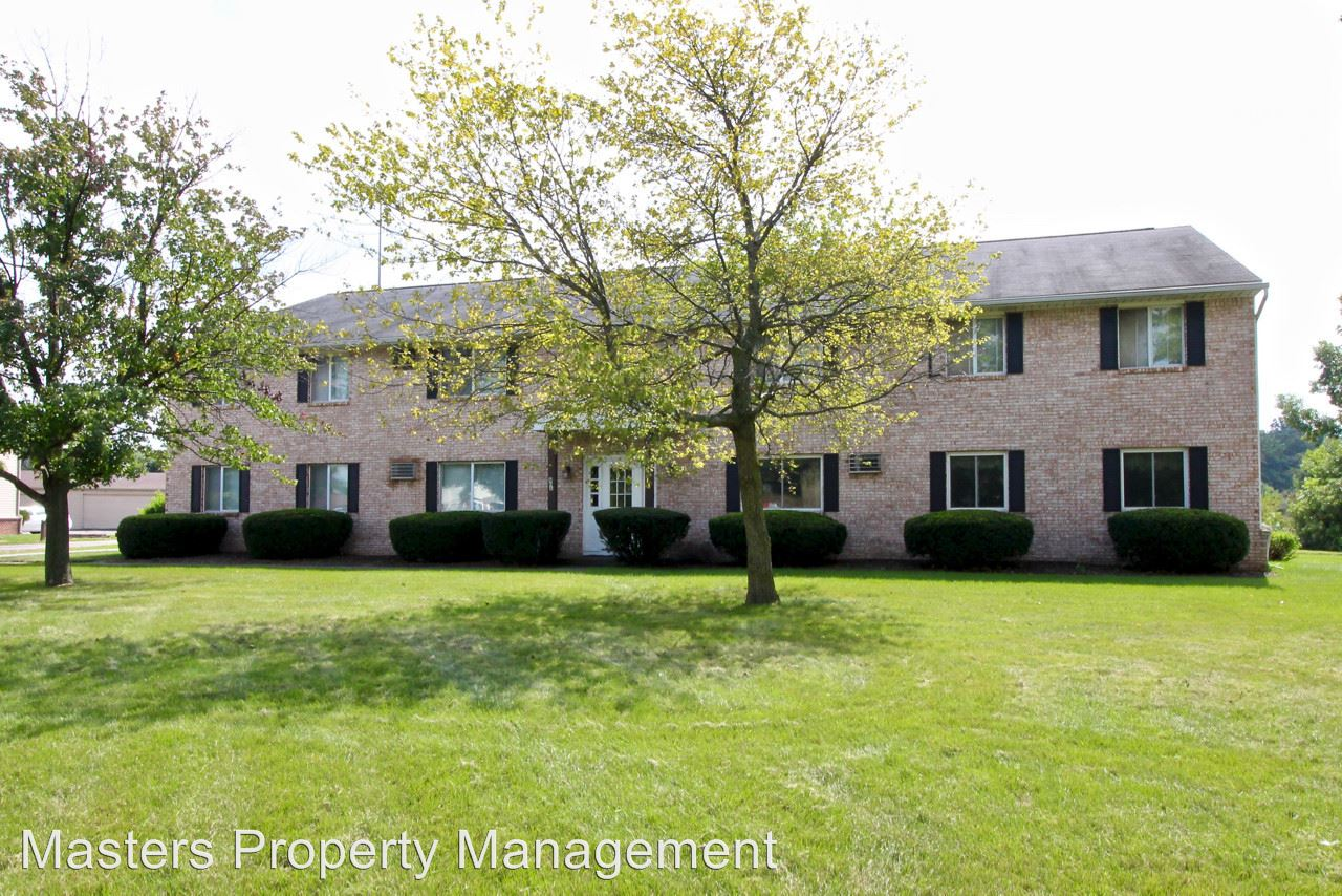 2 Bedrooms 1 Bathroom Apartment for rent at 806 Three Meadows Dr. in Perrysburg, OH