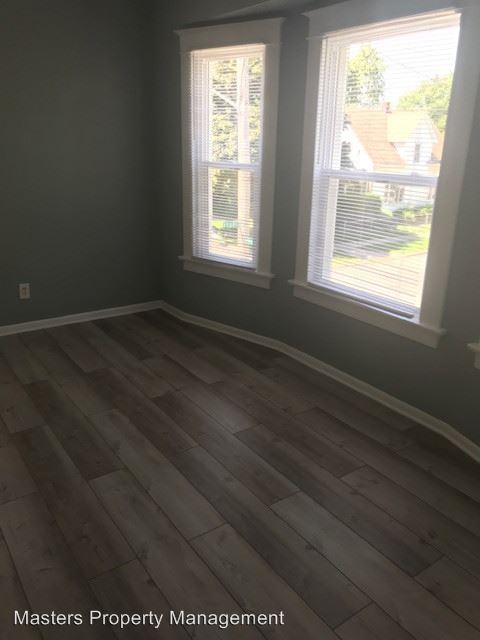 3 Bedrooms 1 Bathroom Apartment for rent at 3360 Maple St. in Toledo, OH
