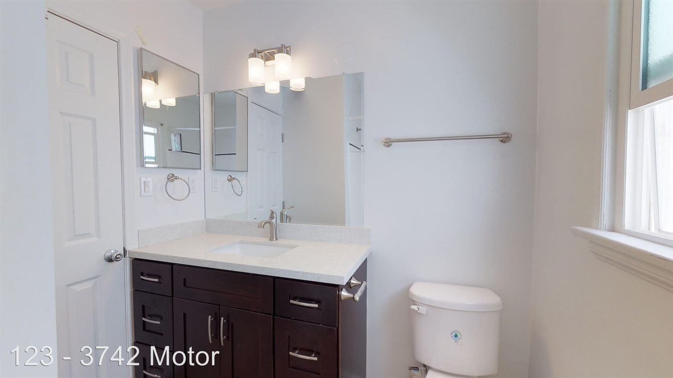 Studio 1 Bathroom Apartment for rent at 3742 Motor Ave. in Los Angeles, CA