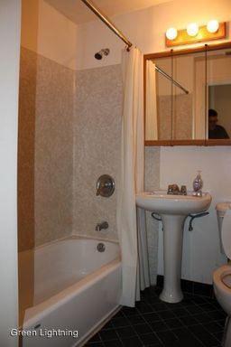 7 Bedrooms 3 Bathrooms Apartment for rent at 5115 Ravenna Ave Ne in Seattle, WA