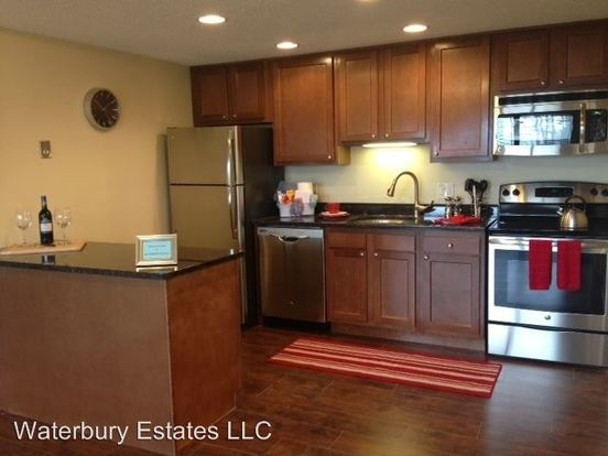 2 Bedrooms 2 Bathrooms Apartment for rent at 110 Waterbury Ct in Westland, MI