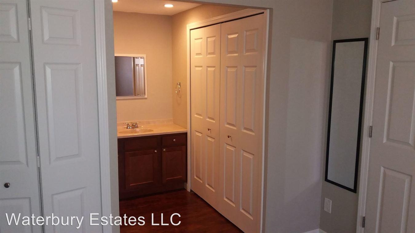 2 Bedrooms 2 Bathrooms Apartment for rent at 110 Waterbury Ct in Westland, MI