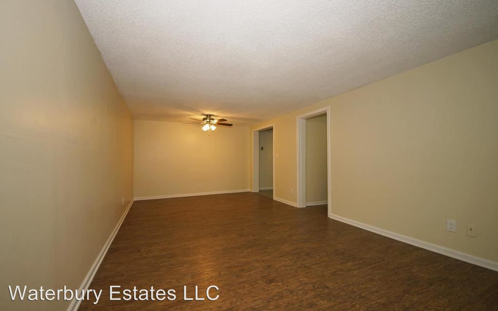 2 Bedrooms 1 Bathroom Apartment for rent at 110 Waterbury Ct in Westland, MI