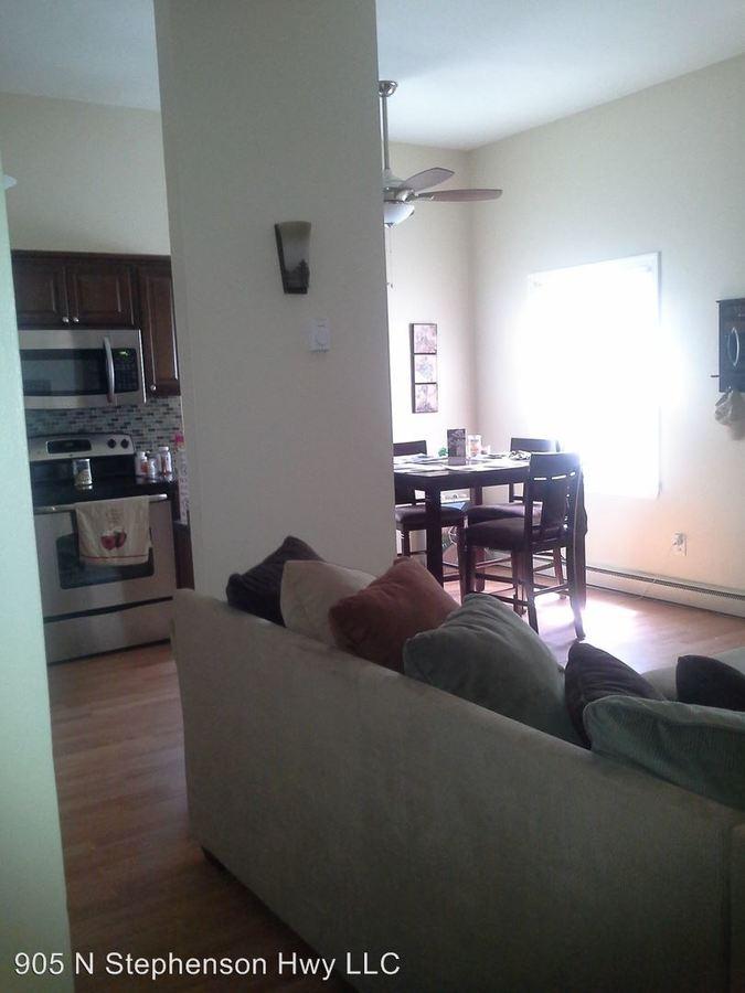 1 Bedroom 1 Bathroom Apartment for rent at 1105 N Stephenson Hwy in Royal Oak, MI