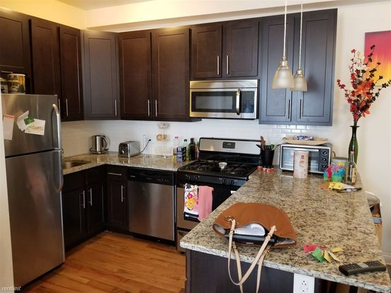 3 Bedrooms 2 Bathrooms Apartment for rent at 1536 W North Ave in Chicago, IL
