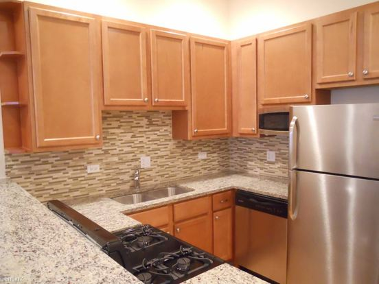 2 Bedrooms 1 Bathroom Apartment for rent at 1406 W Superior St in Chicago, IL