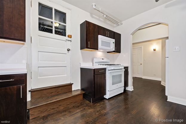 1 Bedroom 1 Bathroom Apartment for rent at 6057 N Talman Ave in Chicago, IL