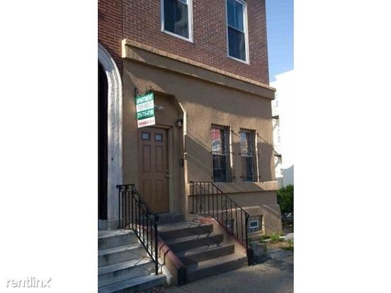 4 Bedrooms 2 Bathrooms Apartment for rent at 1513 W Girard Ave in Philadelphia, PA