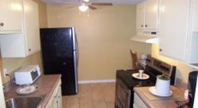 Similar Apartment at 2006 Dabbs Ave