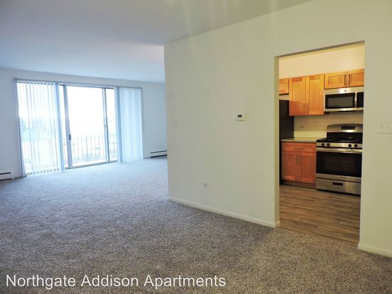 2 Bedrooms 2 Bathrooms Apartment for rent at 900 N. Rohlwing Road in Addison, IL