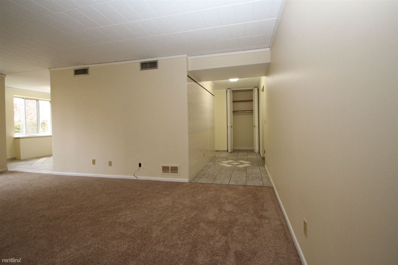 1 Bedroom 1 Bathroom Apartment for rent at Queensbury in Avalon, PA