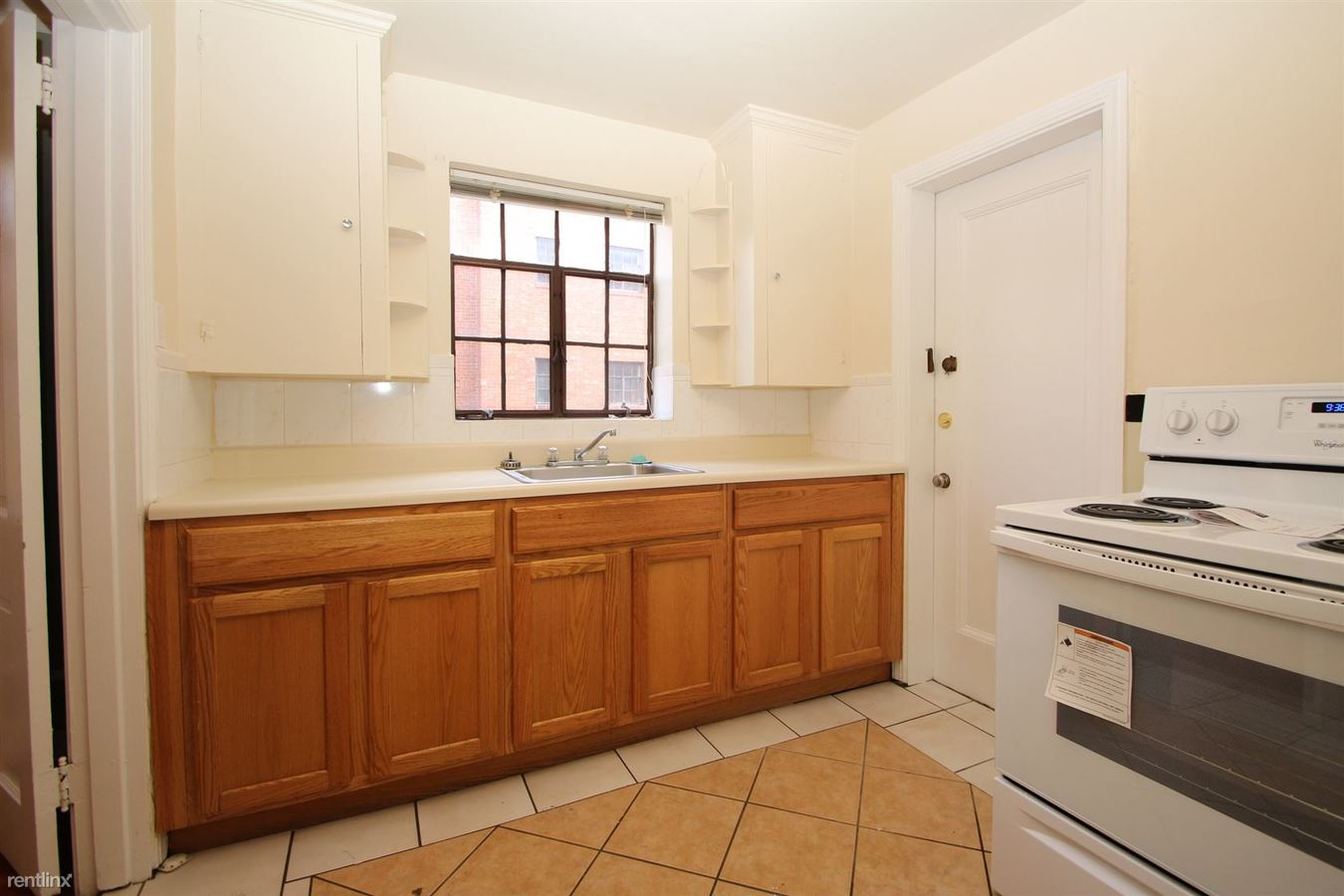 2 Bedrooms 1 Bathroom Apartment for rent at Bellevue Gables in Pittsburgh, PA