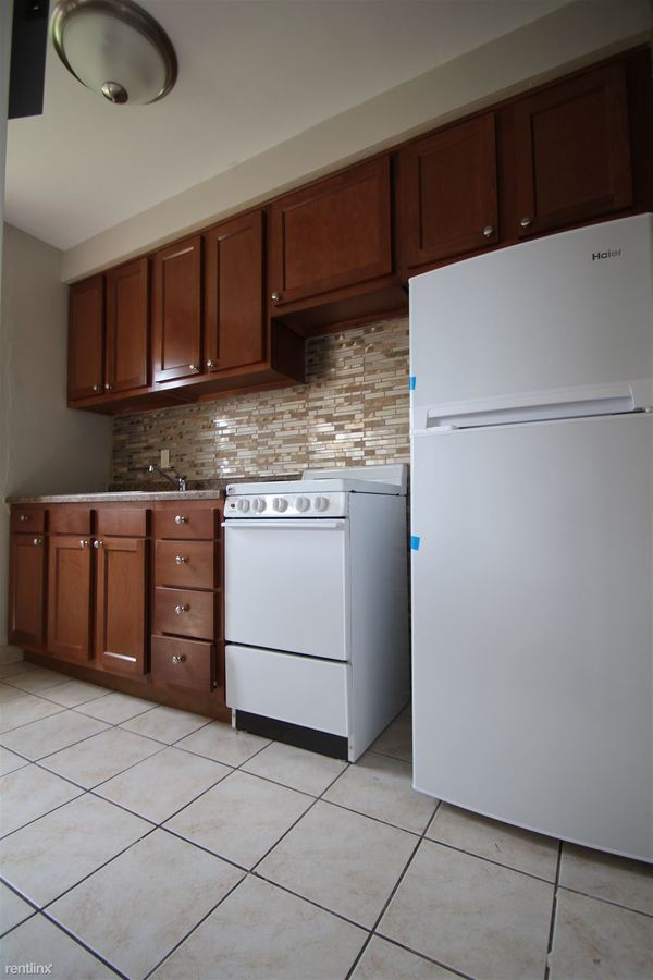 2 Bedrooms 1 Bathroom Apartment for rent at Hawthorne Estates in Canonsburg, PA