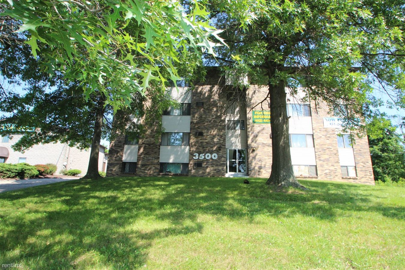 1 Bedroom 1 Bathroom Apartment for rent at 3500 Willow Ave in Castle Shannon, PA