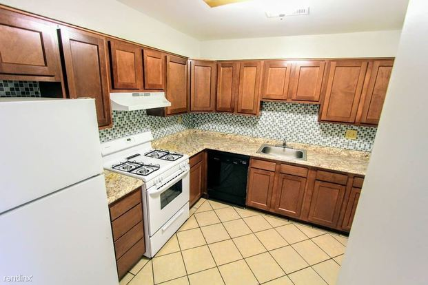 2 Bedrooms 1 Bathroom Apartment for rent at 406 E End Ave in Pittsburgh, PA