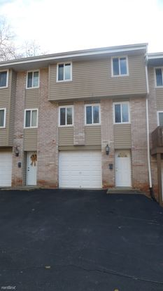 3 Bedrooms 1 Bathroom House for rent at Linocon Way Townhouse in White Oak, PA
