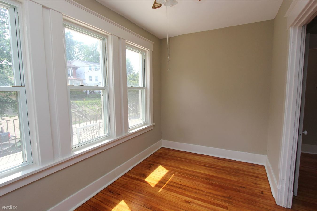 2 Bedrooms 1 Bathroom Apartment for rent at 6365 Alderson St in Pittsburgh, PA
