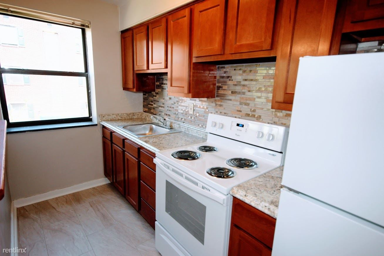 2 Bedrooms 1 Bathroom Apartment for rent at Friendship Court (free Heat) in Pittsburgh, PA