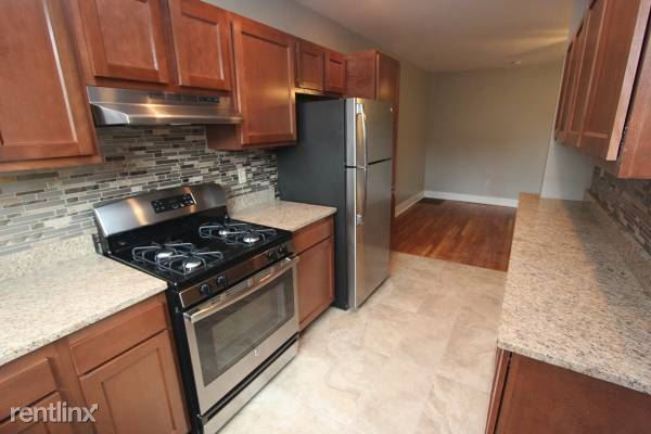 3 Bedrooms 1 Bathroom Apartment for rent at 4 Mellon Ter in Pittsburgh, PA