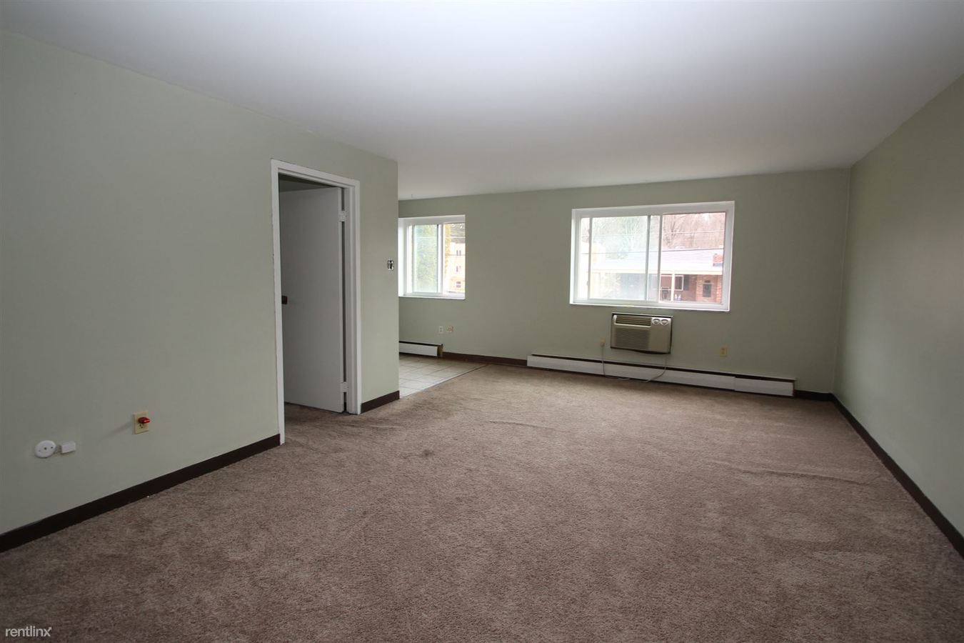 1 Bedroom 1 Bathroom Apartment for rent at Cambridge Apartments in Moon Township, PA