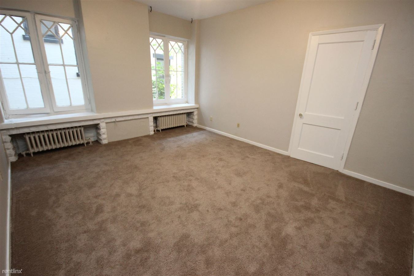 1 Bedroom 1 Bathroom Apartment for rent at Highland Manor in Pittsburgh, PA