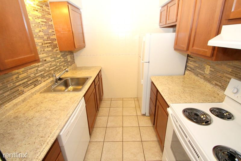 1 Bedroom 1 Bathroom Apartment for rent at Wellington Apartments in Moon Township, PA