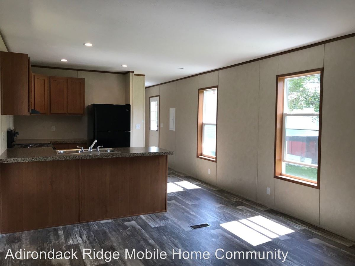 2 Bedrooms 1 Bathroom Apartment for rent at 10601 Hulser Road in Utica, NY