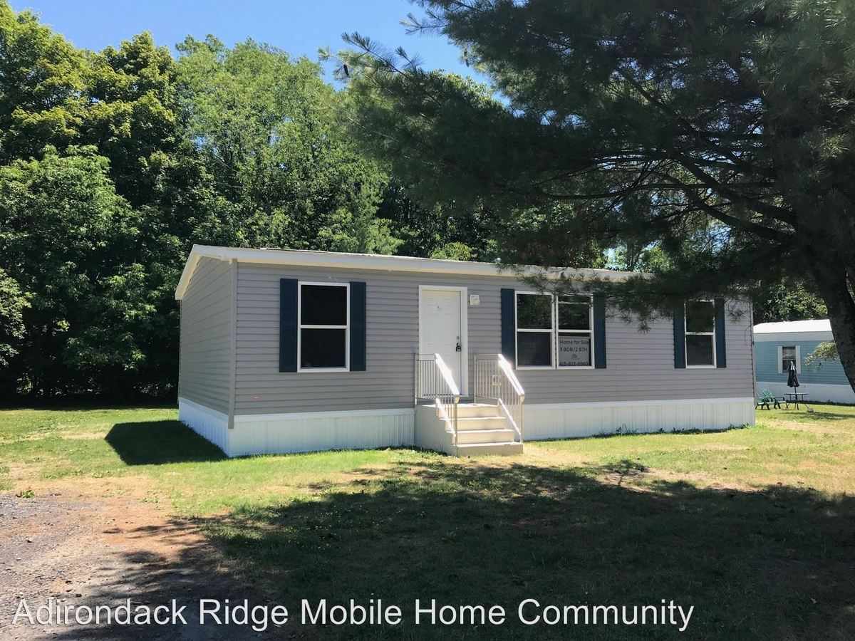 3 Bedrooms 2 Bathrooms Apartment for rent at 10601 Hulser Road in Utica, NY