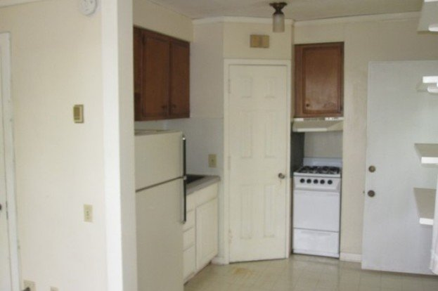 4 Bedrooms 2 Bathrooms Apartment for rent at 637 East Gorham Street in Madison, WI