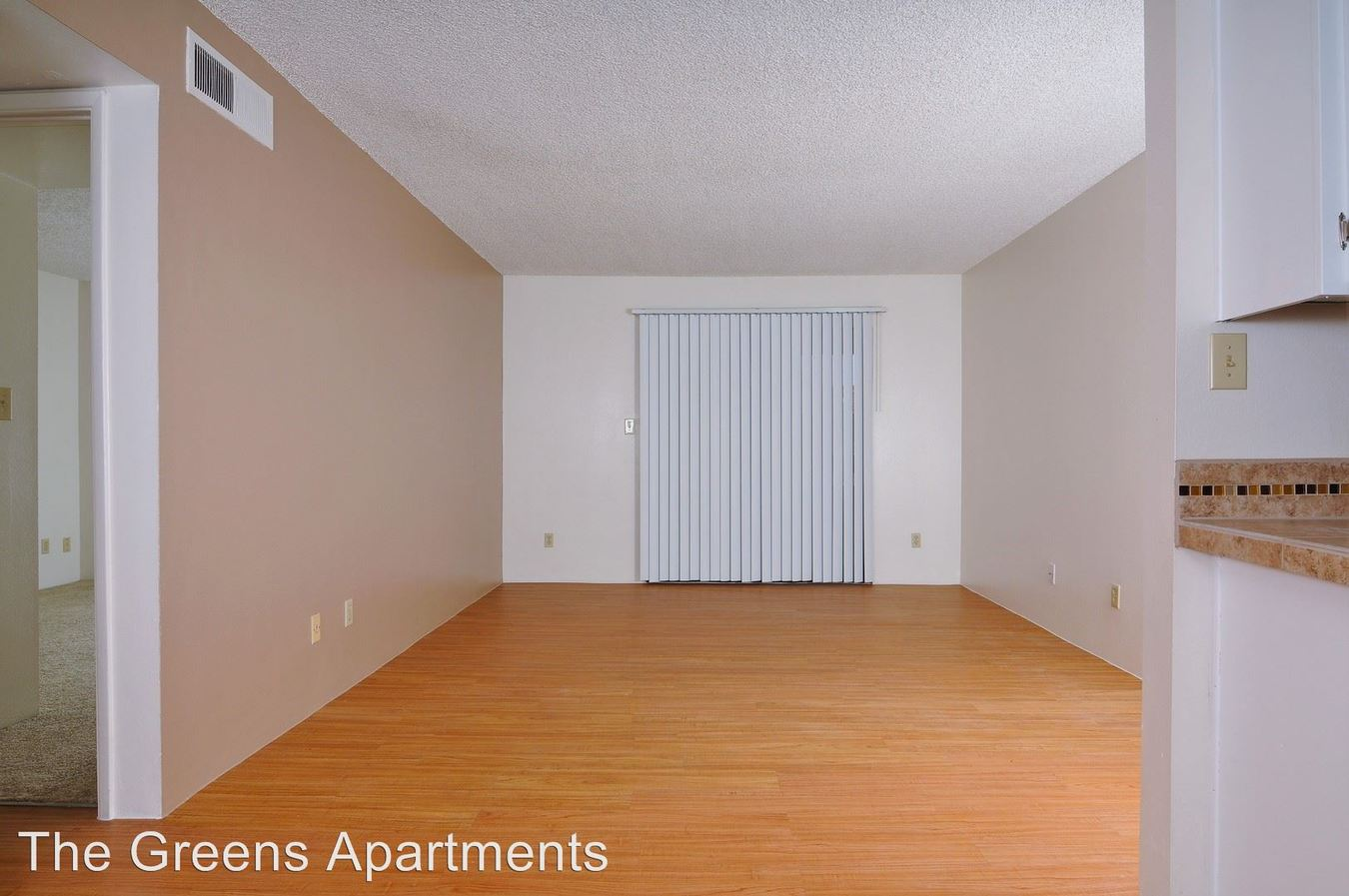 2 Bedrooms 1 Bathroom Apartment for rent at 8445 North 23rd Avenue in Phoenix, AZ