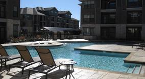 Similar Apartment at Platinum Lakeline Apartment Homes